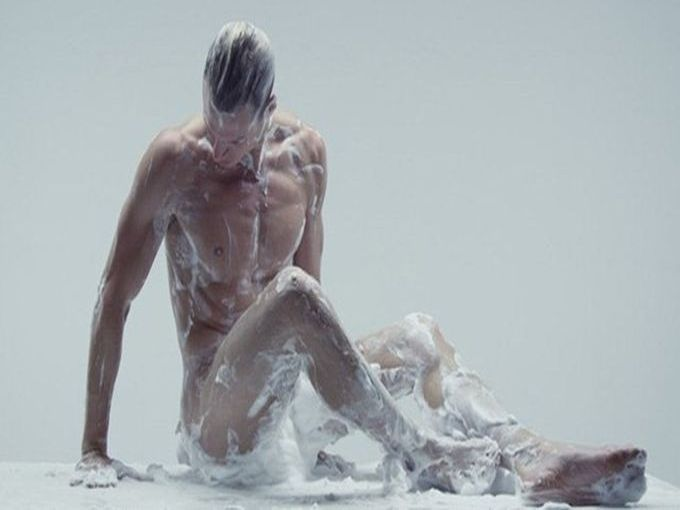 Bart Hess, The Art of shaving. Nowness / Tendance Sociale 2012